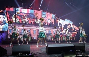 Az ELTE cheerleader csapata a 2018-as Fenyő Ünnepen