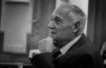 Elhunyt Sárközy Tamás, az ELTE professzora