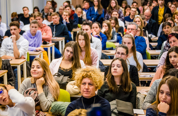 Gazdasági sikerszakok az ország első számú egyetemén – január 17-én nyílt napot tart az ELTE