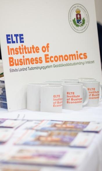 Intézetünk oktatóinak nagy sikerű előadásai az ELTEfeszten